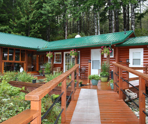 Accommodation - Vancouver Island, BC, Canada - Fraser River Outfitters